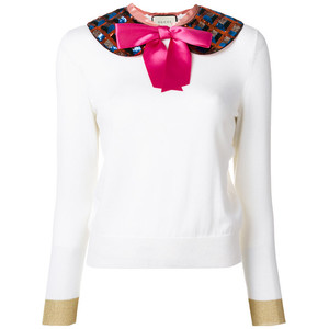 knit top with detachable collar
